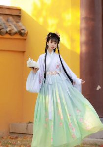 Trang phục cổ trang quận Phú Nhuận